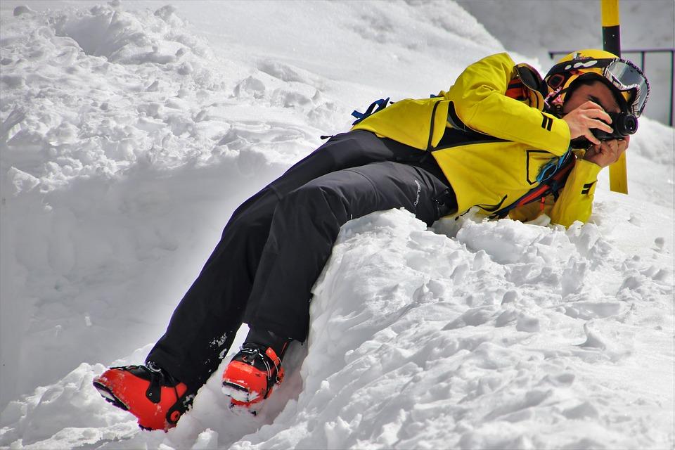 zimowa kurtka górska w kolorze żółtym