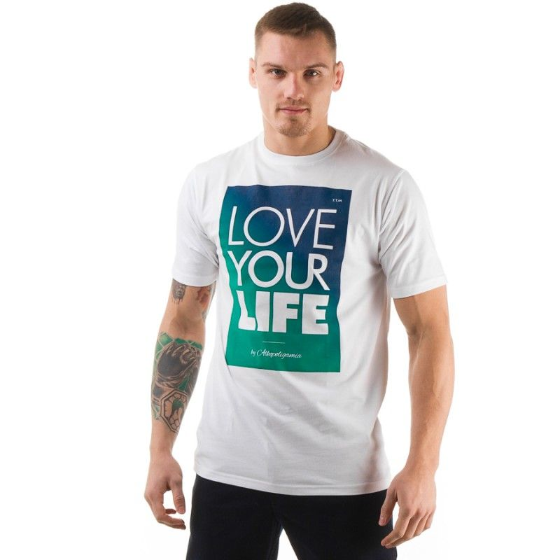 Co warto wiedzieć na temat modnych koszulek streetwear