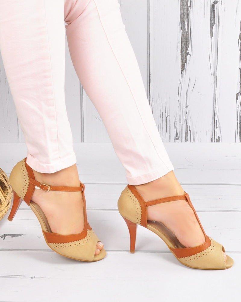 Z jakiego materiału wybrać sandały damskie?