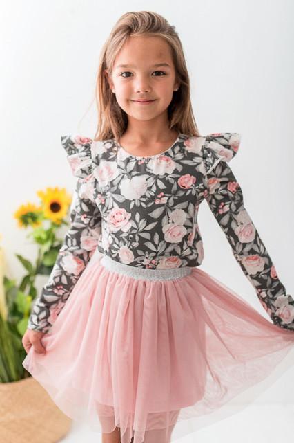 Bluzki dla dziewczynek – dobry pomysł na prezent