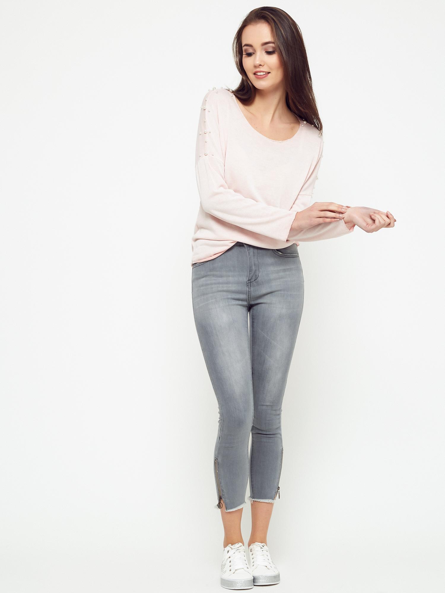 Praktyczne i wygodne bluzki z bawełny