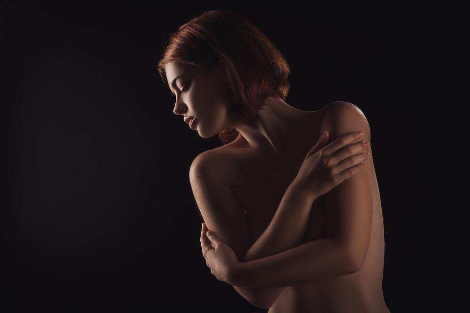 Dlaczego kupujemy bieliznę erotyczną?