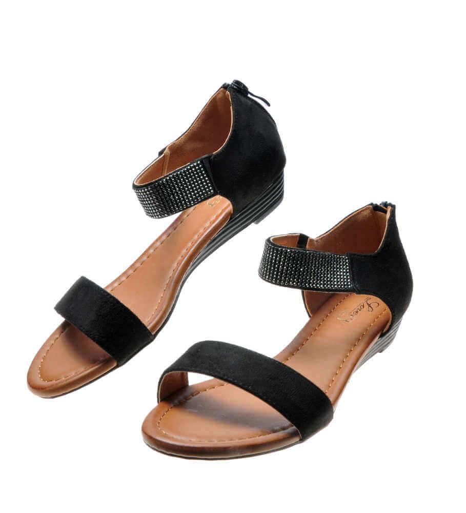 Popularne rodzaje płaskich sandałów