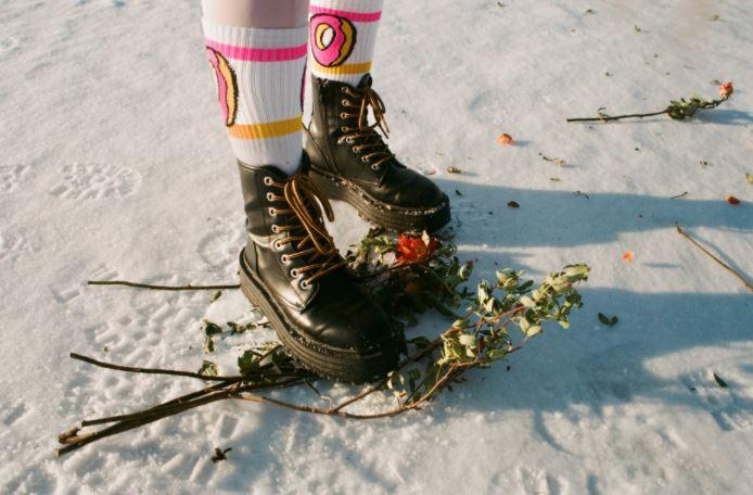 Na co zwrócić uwagę wybierając buty zimowe damskie?