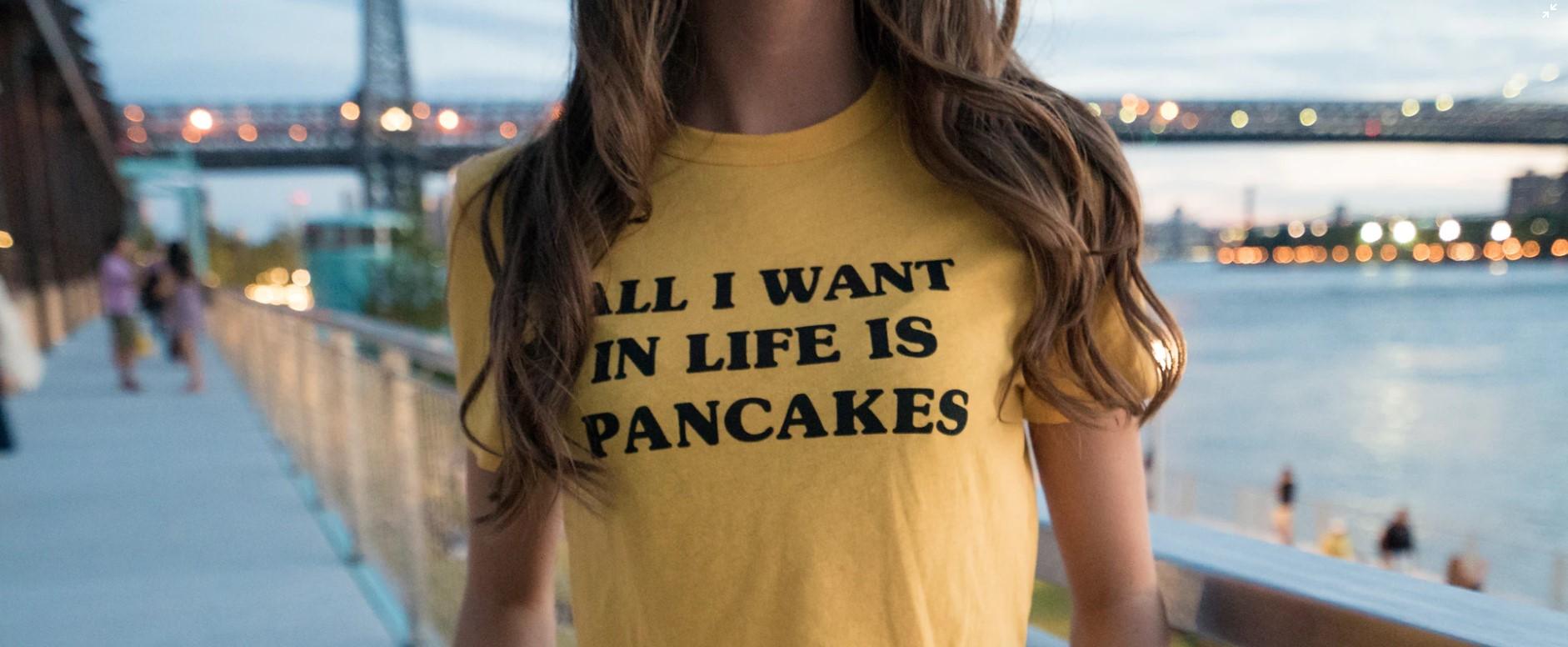 Koszulki z własnym nadrukiem- sposobem na to, by wyjść z cienia anonimowości