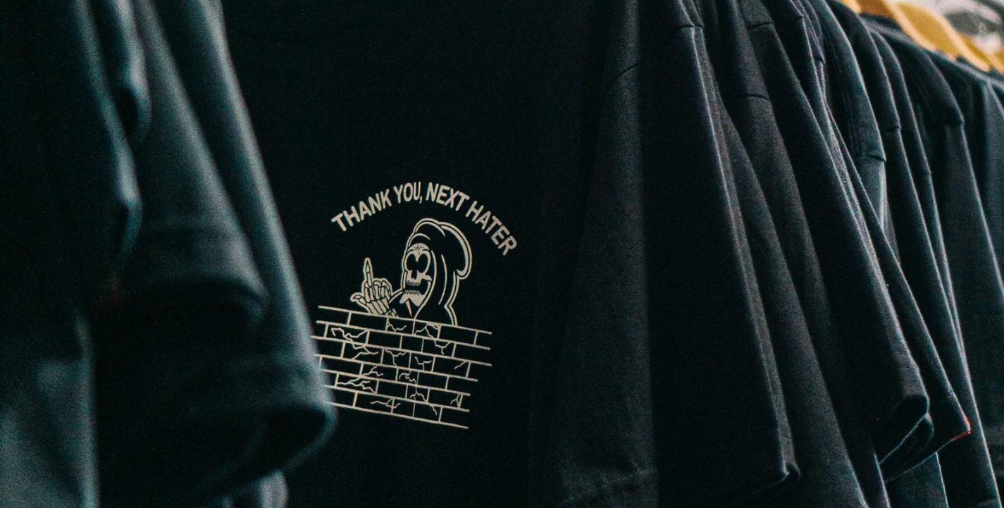 Ładna odzież firmowa? Czy to możliwe?